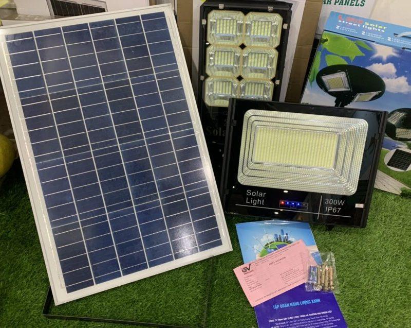 den-nang-luong-mat-troi-300w-ip67-den-nang-luong-cao-cap-solar-light