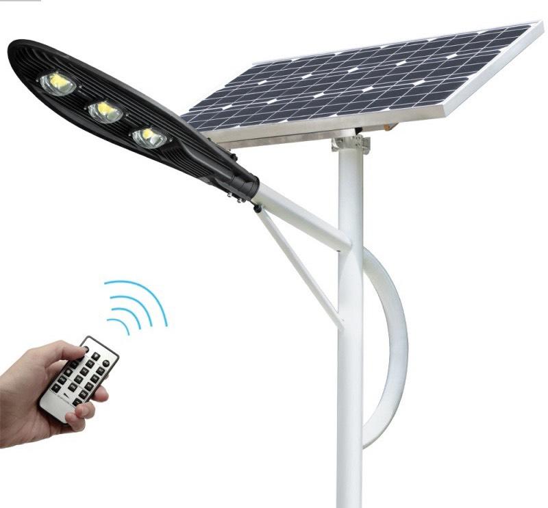 den-duong-nang-luong-mat-troi-150w-den-lap-duong-giao-thong-solar-light-chiec-la-150-0121