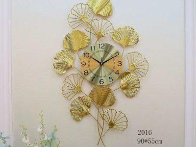 dong-ho-treo-tuong-ma-t152012-trang-tri-phong-khach-hien-dai