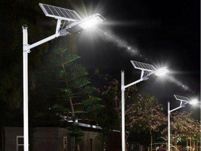 den-duong-nang-luong-sieu-sang-300w-den-lap-giao-thong-solar-light-cao-cap-300-b300
