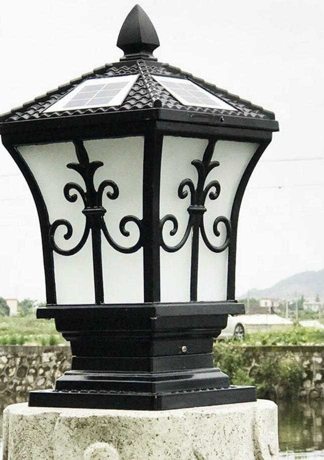 den-tru-trang-tri-san-vuon-bang-nang-luong-mat-troi-den-solar-light-cao-cap