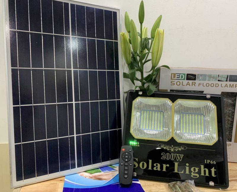 den-nang-luong-mat-troi-200w-den-cao-cap-solar-light